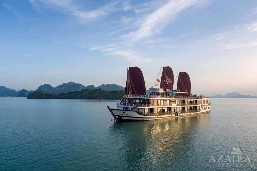 Azalea Cruise Halong- Unique route Only 1.5 hour from Hanoi