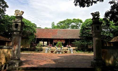 phung hung temple in duong lam village