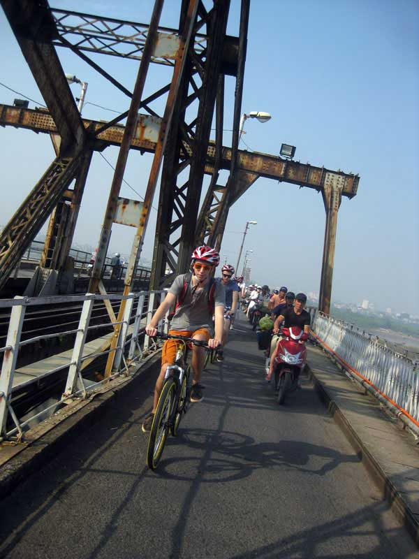 Bicycle full day tour in Hanoi