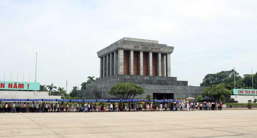 ho chi minh mausoleum-hanoi tour 1 day